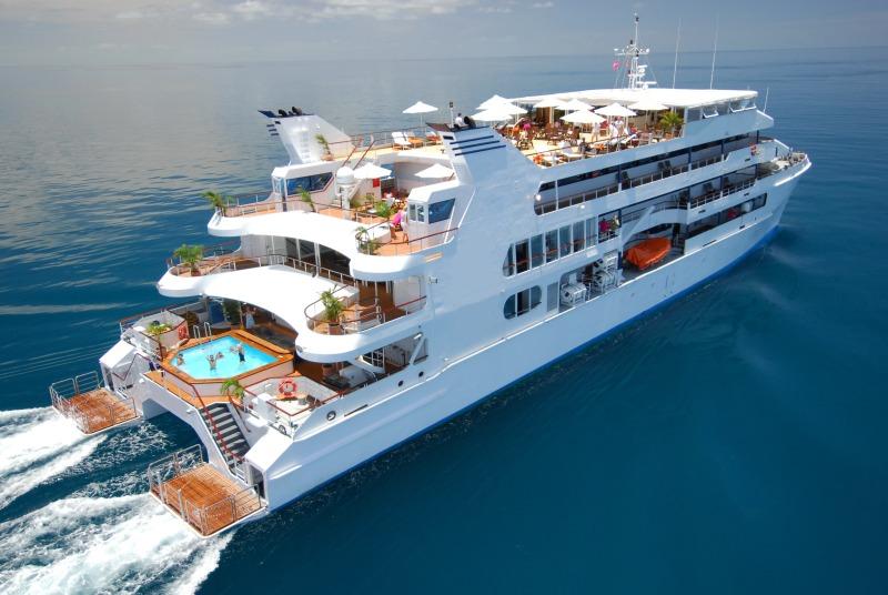 Luxury Cruising Catamaran